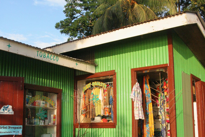 Épicerie et boutique de souvenirs de Port Glaud, Mahé