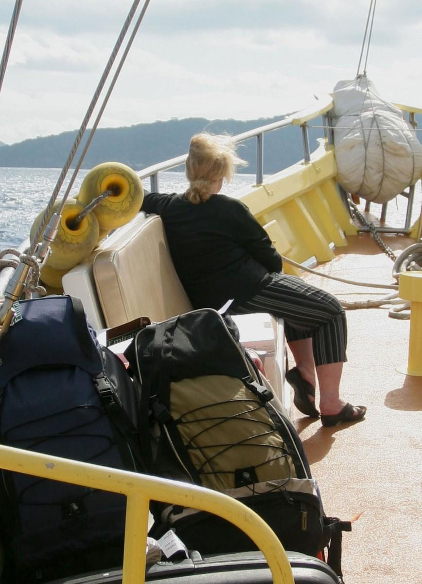 Passagère de la goélette rejoignant La Digue (Seychelles)